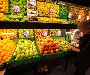 Is FDI in food retail govt's response to farmer agitation?