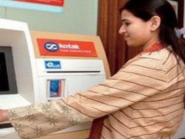 How to trade Kotak Mahindra Bk, TCS, MindTree, Zensar post Q1FY14 results