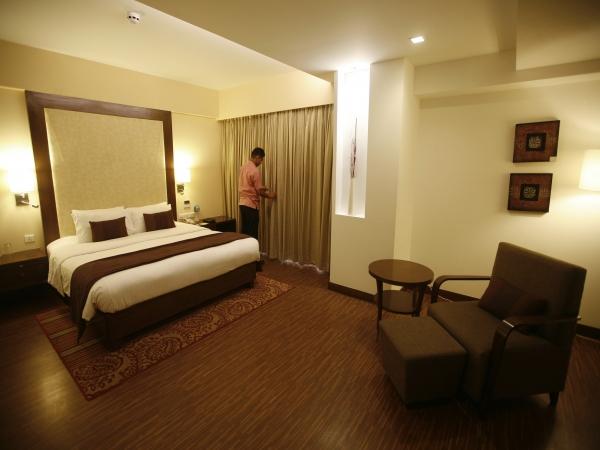 Taj GVK Hotels Q1 PAT may dip 63.4% YoY to Rs 0.9 cr: ICICI