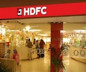 HDFC issues India's largest masala bonds to raise Rs 3,300 crore