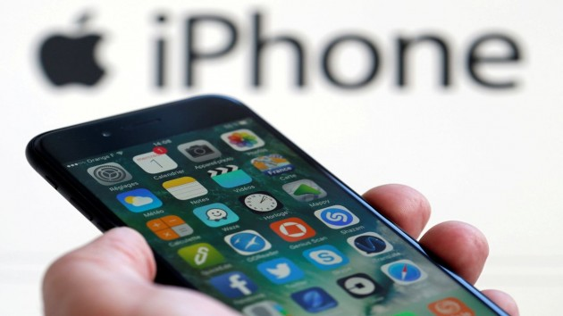 Hyderabad lawyer seeks damages worth over Rs 1 lakh from Apple over 'faulty iPhone'