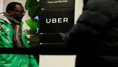 Uber shareholders discuss stock sale to SoftBank, others