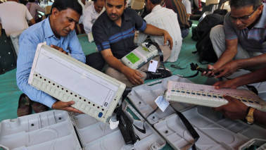 EC to hold EVM demo of its own, decide on hackathon tomorrow