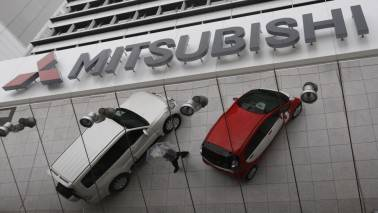Mitsubishi Motors checking how Kobe Steel parts affected by false data