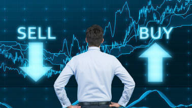 Bull's Eye: Buy Indian Bank, DLF, SPARC, Just Dial, Dhampur Sugar, SREI Infra