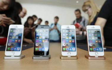 Govt wants Apple to consider new policy for local manufacturing
