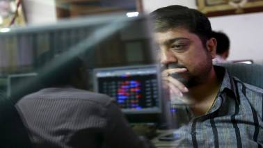 Sensex ends rangebound session flat, midcaps shine; banks fall after IndusInd nos