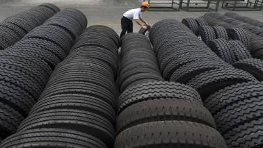 JK Tyre declines 8% as co reports loss in Q1