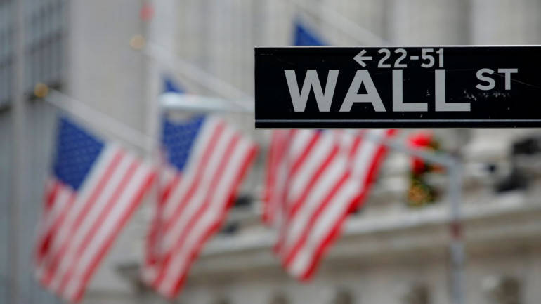 Wall Street stumbles as tech slide deepens