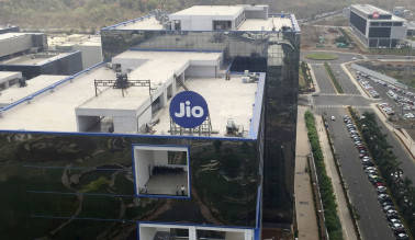 Reliance Jio seeks CCI nod for spectrum sharing with RCom