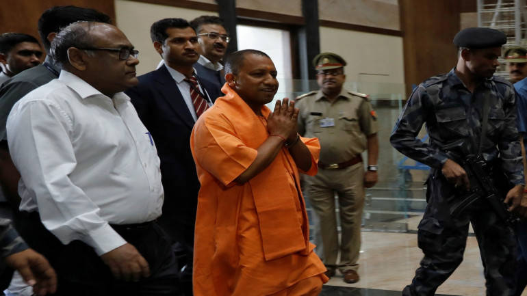 Yogi Adityanath follows PM Modi, bans lal batti in UP from today
