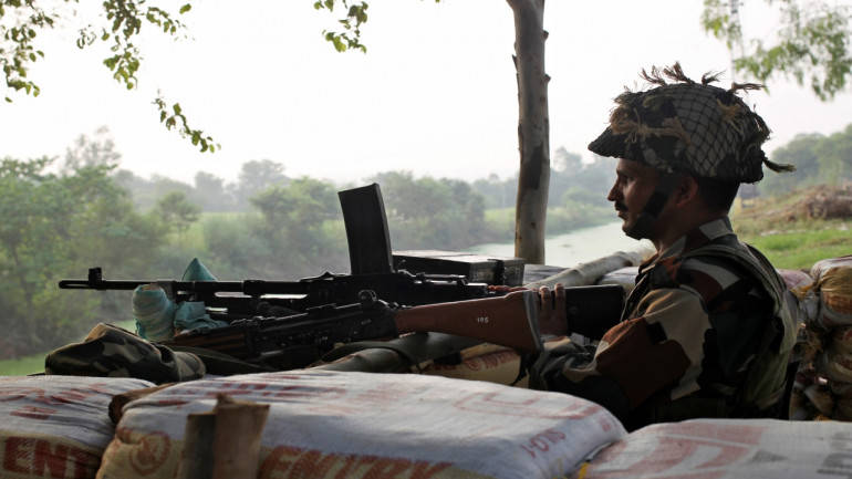 Pakistan violates ceasefire in areas along the LoC in Rajouri district, J&K