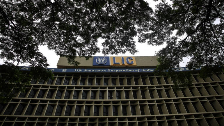 LIC posts 27% growth in first year premium in FY17