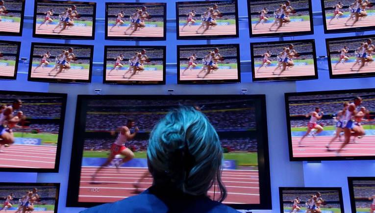 Amazon Fire TV Stick vs Google Chromecast 2 vs Apple TV: Which one should you buy?