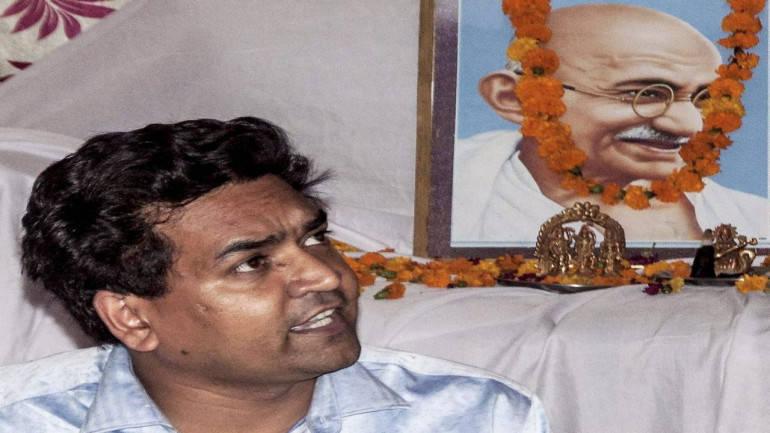 Satyendar Jain files defamation pleas against Kapil, AAP MLA