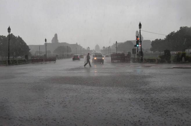 Rains lash most of India, Assam flood toll reaches 52
