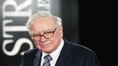 Buffett's Berkshire Hathaway has $100 billion in cash but he isn't happy with this money