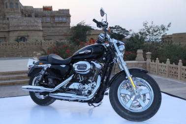West Bengal police add Harley Davidson Street 750 to its fleet