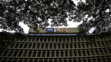 LIC defends investment in ITC, says receives orders from Centre