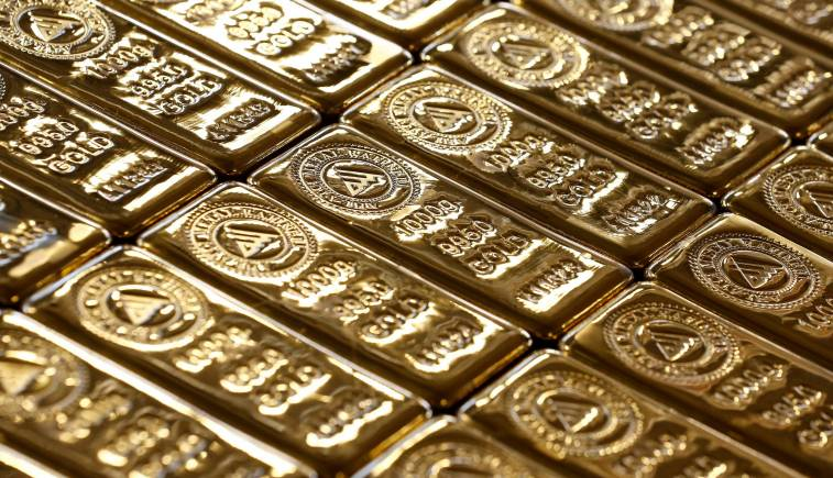 Gold, silver decline further on global cues