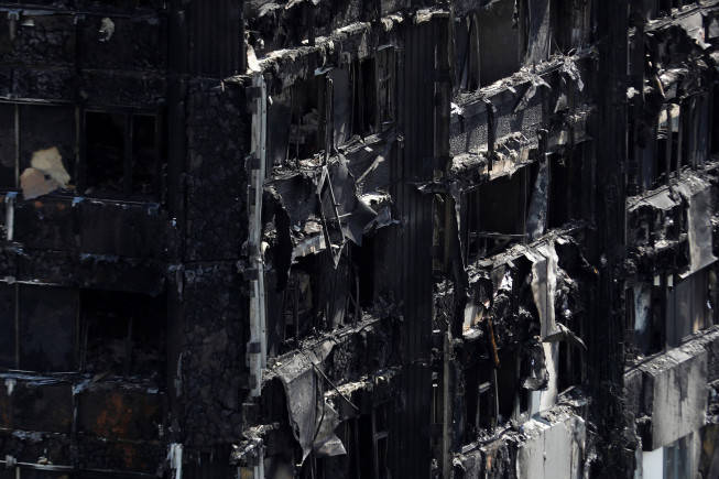 London fire: Firefighters douse blaze, 17 killed