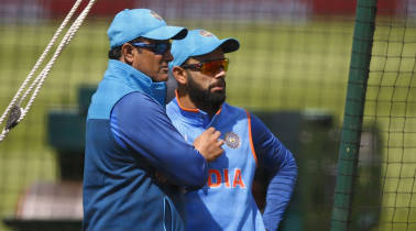 Virat Kohli faces chin music from Gavaskar, BCCI over Anil Kumble's exit