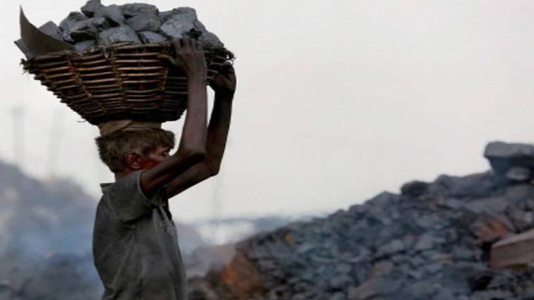 Govt puts off 5th round of coal mine auction