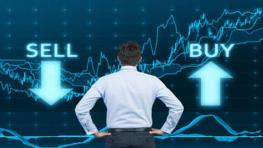 How should you use rollover data while trading in derivatives