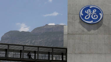 General Electric to focus to power, healthcare and aviation, cuts outlook