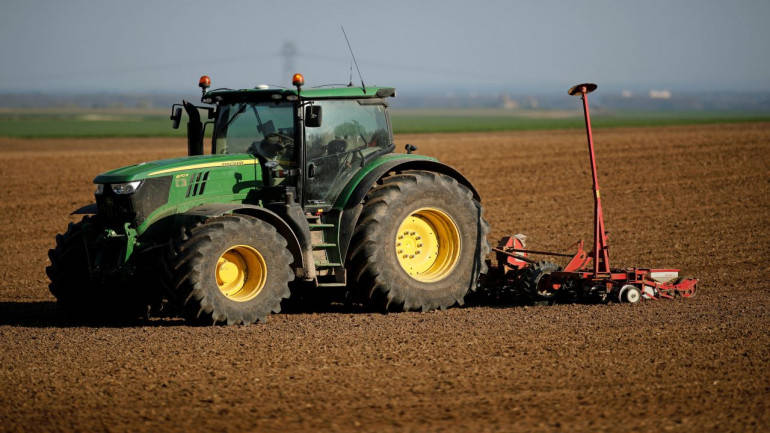 Tractor industry may record volume growth of 10% in FY18:ICRA