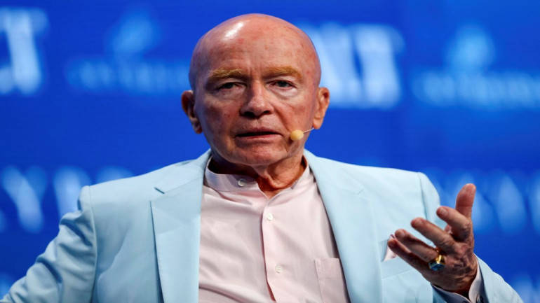 India still faces bureaucratic barriers, but there is potential case for investing: Mark Mobius