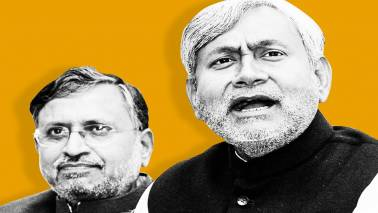 JD(U) split: Nitish Kumar, Sharad Yadav supporters clash outside CM's house