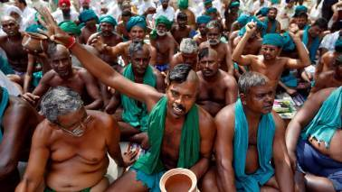 TN farmers protest against state's move to double the pay of MLAs
