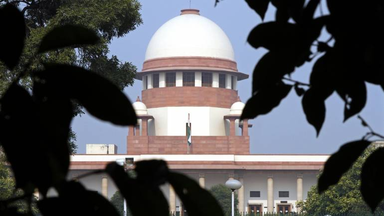 Supreme Court refers ban on women's entry at Sabarimala to constitution bench