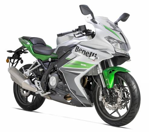 Benelli 302r Launched At Rs 3 48 Lakh Moneycontrol Com