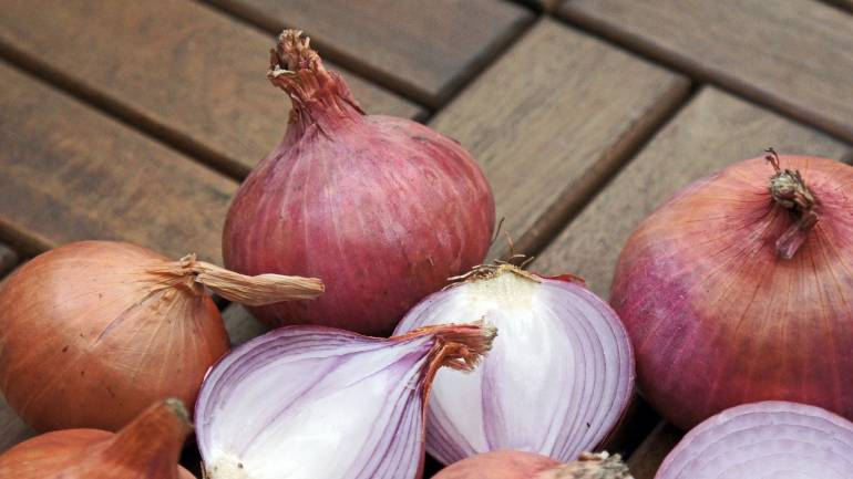 Onion exports decline 14% in April-June