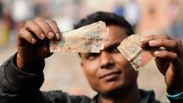 Man who 'converted' demonetised notes arrested in Mumbai