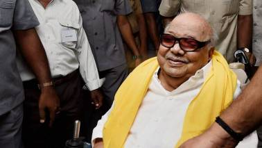 PM meets Karunanidhi; enquires about his health
