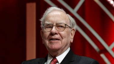Buffett calls pessimists about United States 'out of their mind'