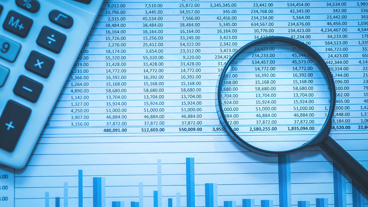 3. Access to financial data: Keep all the records on personal computers up-to-date and this will make accounting reports, tax filing and preparing financial statements easy.