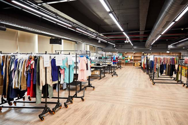 Amazon opens its largest fashion imaging studio in India