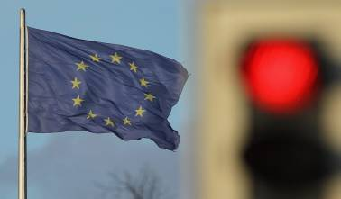 France, five others risk breaking deficit rules: EU