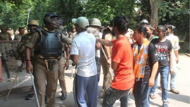 FIRs against police and 1000 students for BHU violence