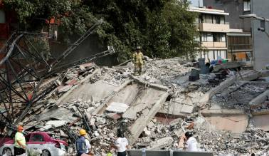 More than 130 killed as buildings crumble in Mexico after 7.1 magnitude quake
