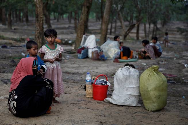 EU to cut ties with Myanmar military chiefs over Rohingya crisis