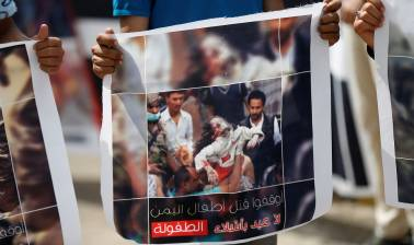 Saudi-led strikes hit defence ministry in Yemen capital, no casualties reported