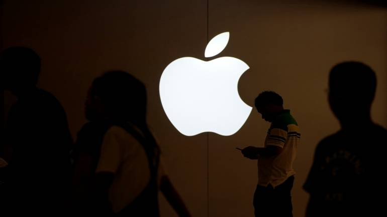 DATA STORY: The iPhone's Chinese shipments can make or break Apple