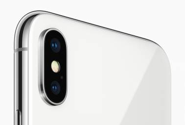 Futuristic 'metalens' could mean better phone cameras that take lesser space