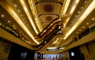 Shopping malls growth in India slows as builders avoid retail sector