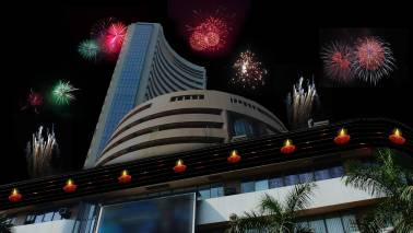 Watch | Markets@Moneycontrol: Market ends on a positive note, Sensex climbs 117 points